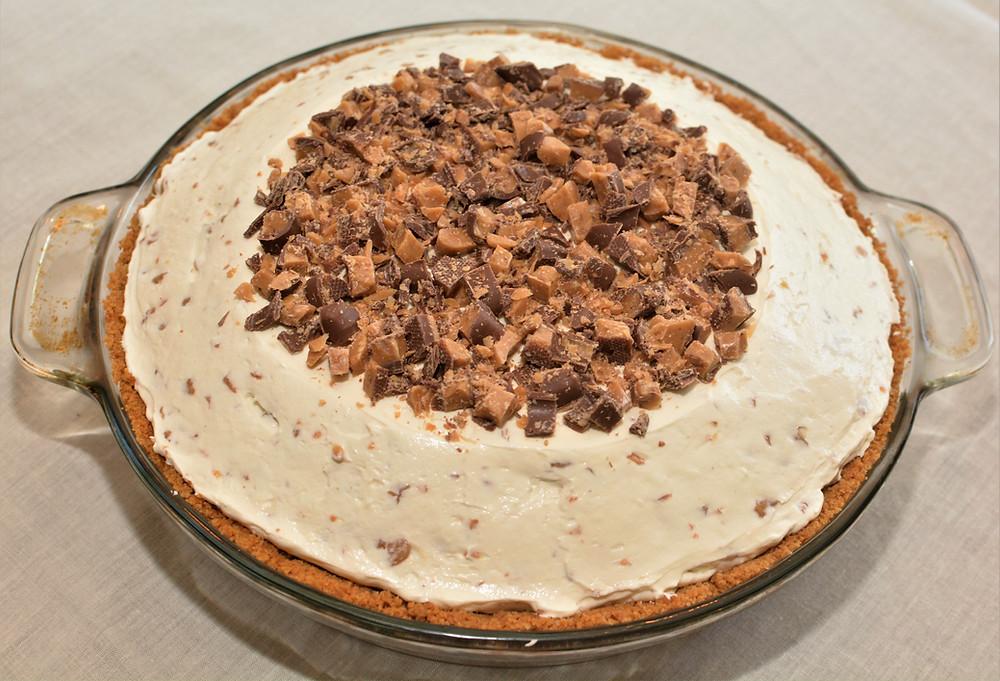 Cool and Creamy Heath Bar Cheesecake Pie