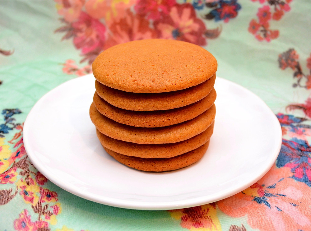 Light & Moist German Honey Cookies