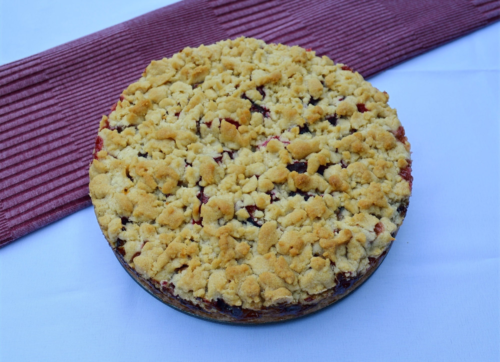 Sweet German Plum Cake with Streusel Topping