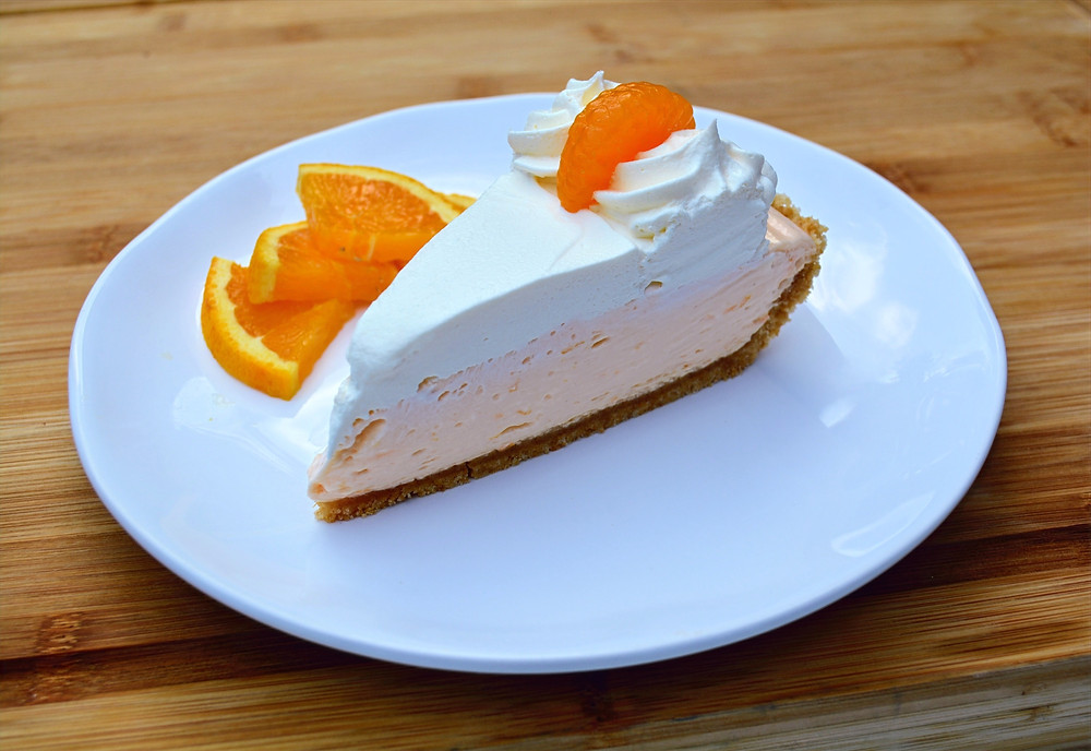 Cool and Refreshing Orange Creamsicle Pie