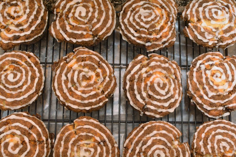 Cinnamon Roll Muffins with Vanilla Glaze