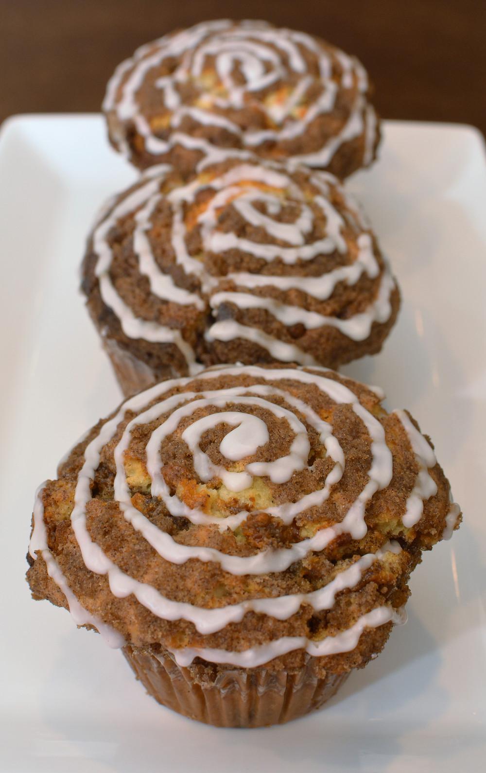 Cinnamon Roll Muffins with Brown Sugar Cinnamon Crumble