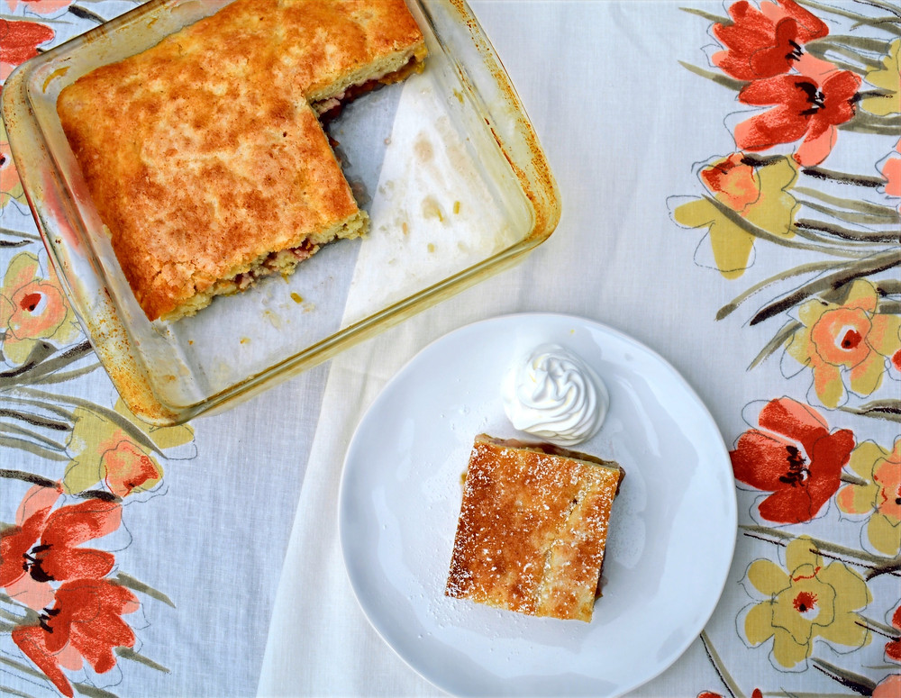 Easy Old-fashioned Sticky Rhubarb Pudding Cake