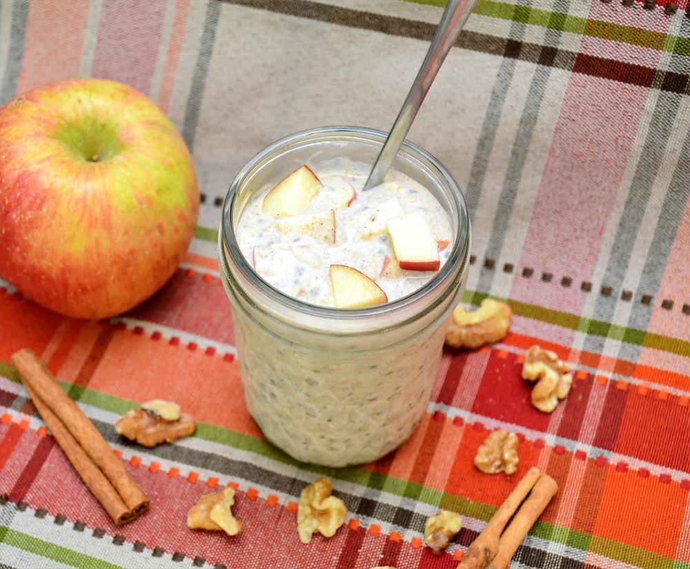 Healthy Apple Cinnamon Overnight Oats