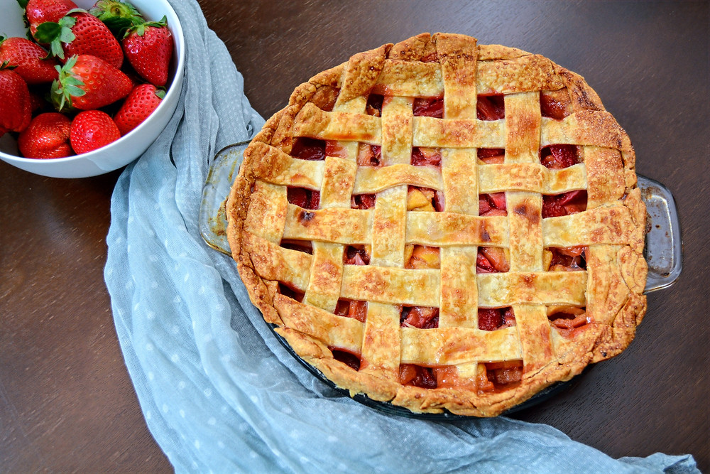 Sweet and Tangy Strawberry Guava Pie