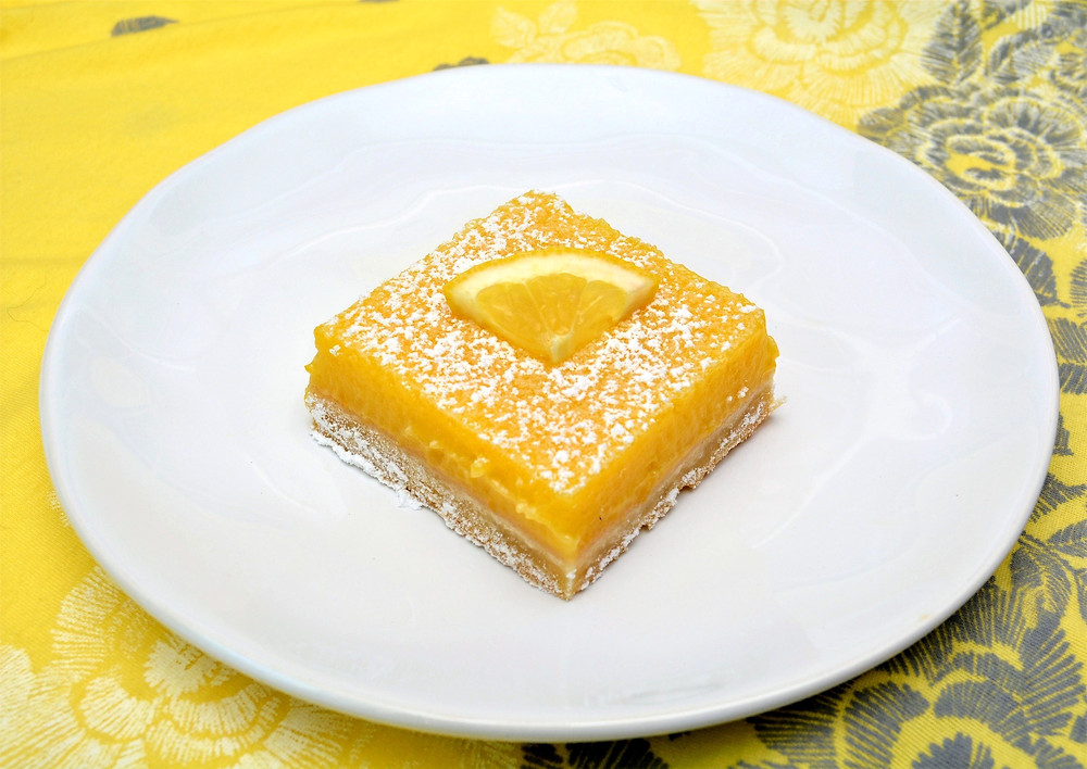 The Best Thick and Creamy Lemon Bars