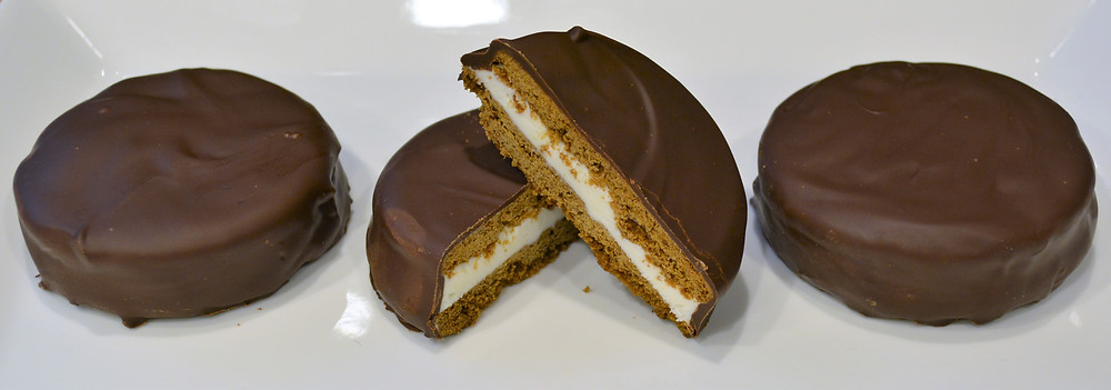 Homemade Moon Pies with Marshmallow Cream Filling