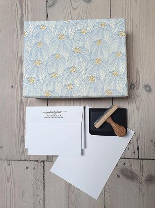 Brevpapir Kit: LYSEBLÅ BLOMST