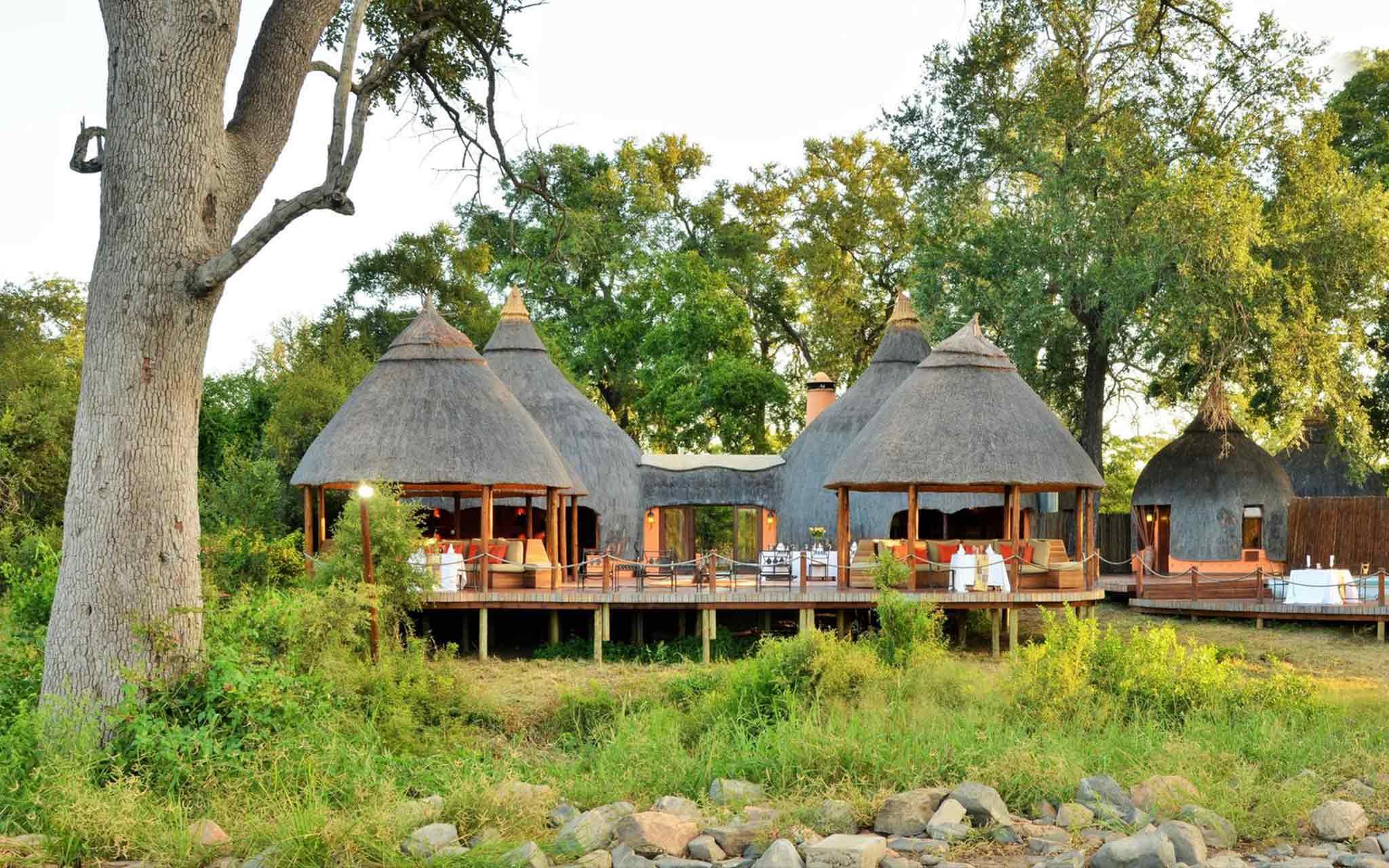 1. Hoyo Hoyo Safari Lodge