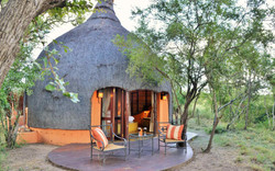 3. Hoyo Hoyo Safari Lodge