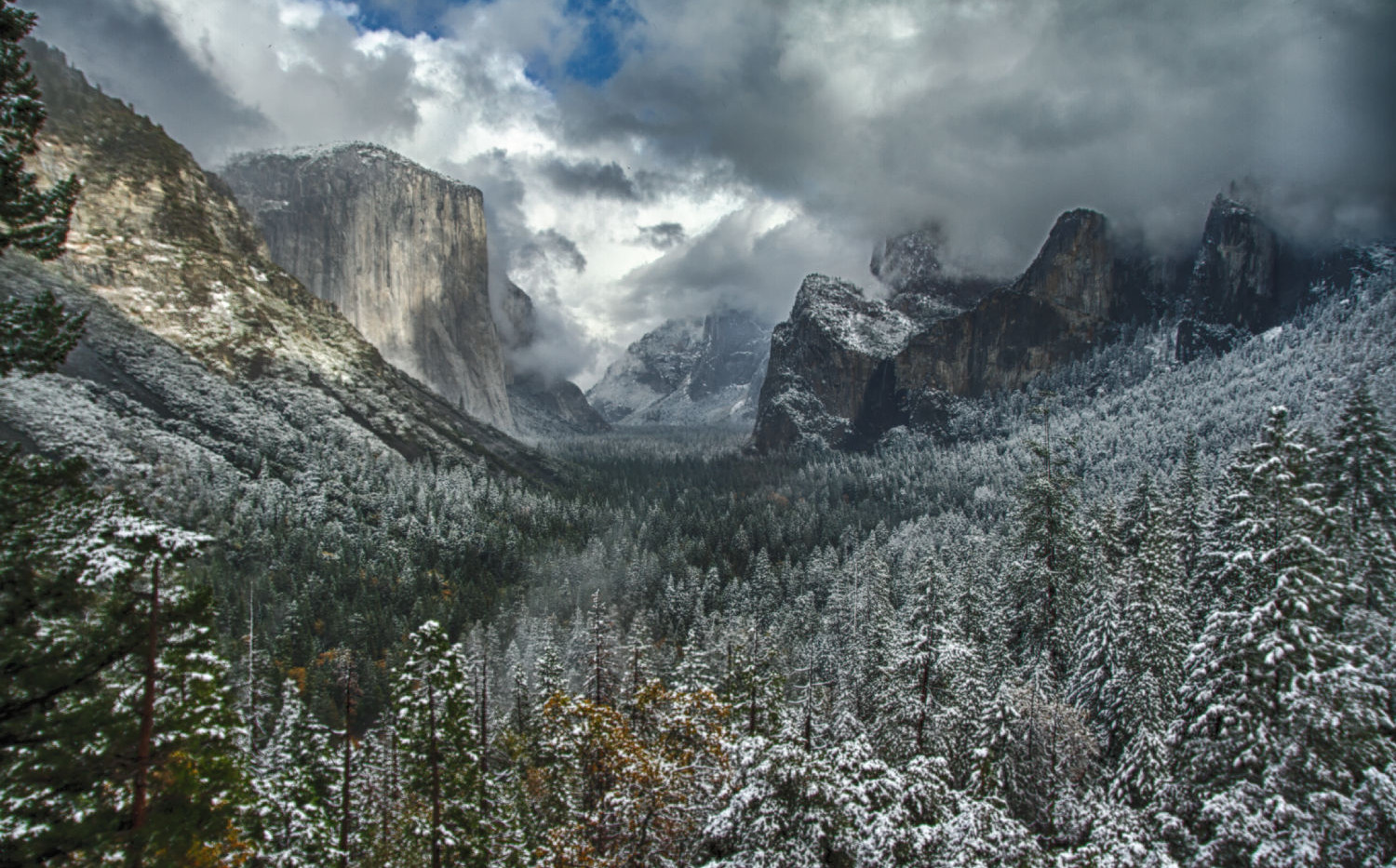 Snow Fall in Tunnel View