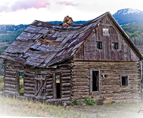 Old Log Home Crested Butte