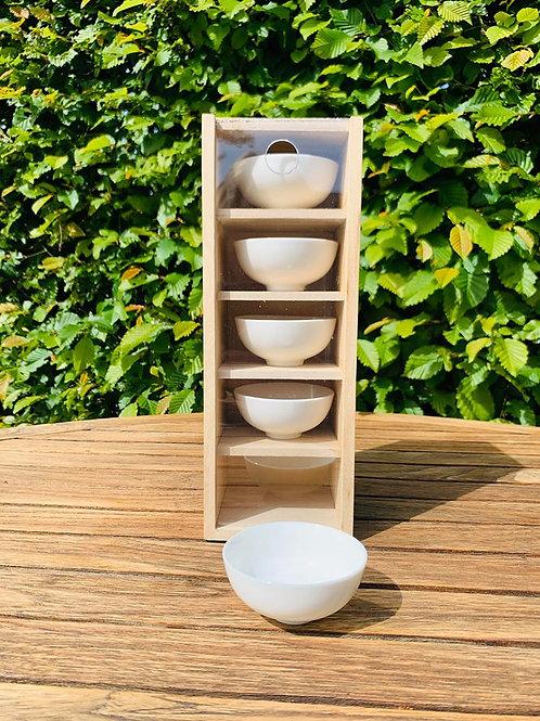 Porceleinen theekopjes in doos