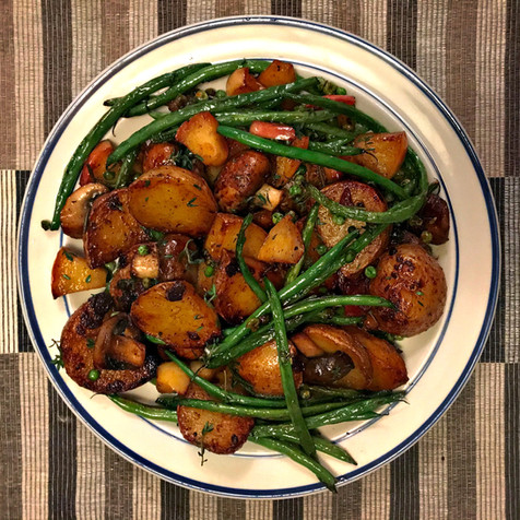 Pommes de terre et haricots verts à l'ail
