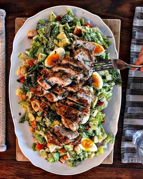 Salade Caesar avocat poulet