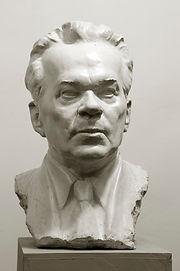 Калашников.Скульптор Владимир Курочкин
