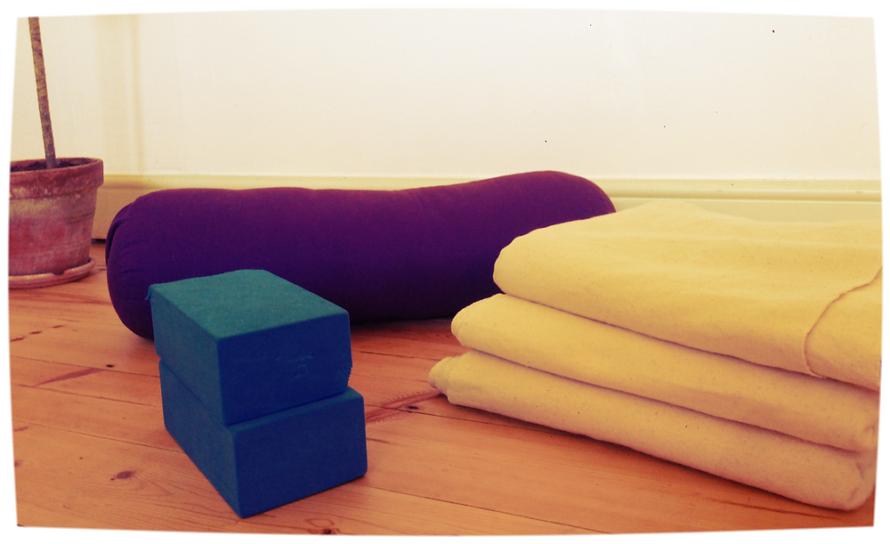 props for supported supta virasana