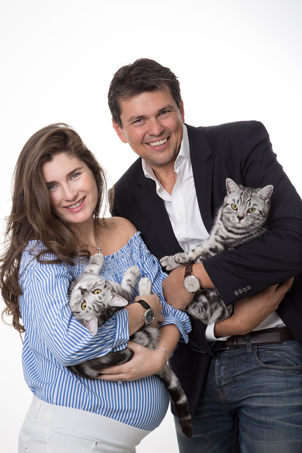 Fantastic maternity photoshoot with a lovely couple and two gorgeous cats. I had to include them in the family portrait. Do you know someone expecting or would love to have a full family portrait? Then just get in touch and book your photoshoot today!