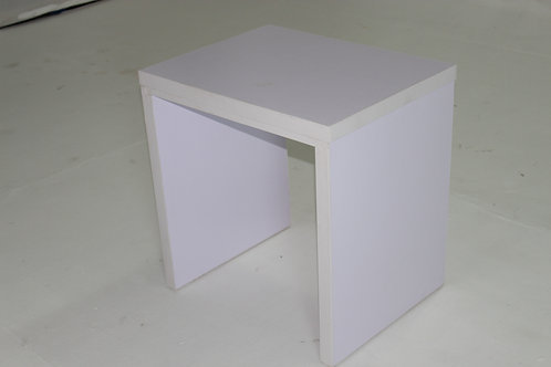 WHITE SIDE TABLE 1005B