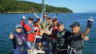 船友们练习完多种下锚技巧后,理论与实践结合,收获颇丰!获得宝贵经验后开心的祝贺