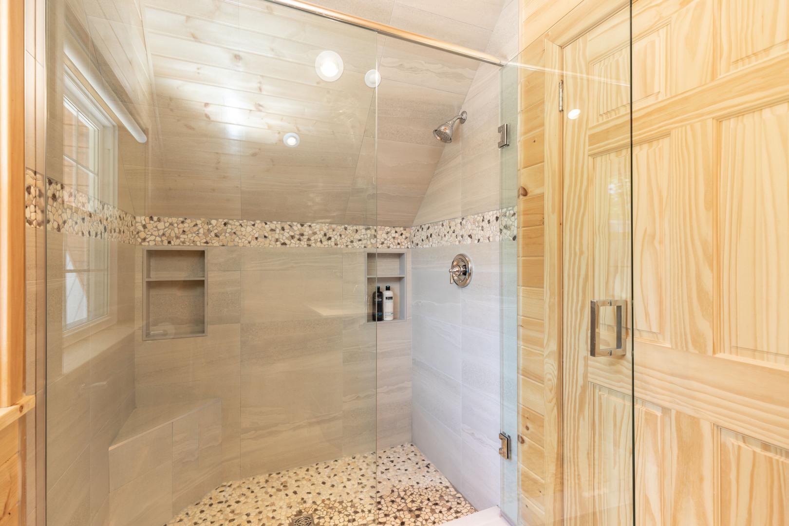 Beautiful Muskoka cottage shower