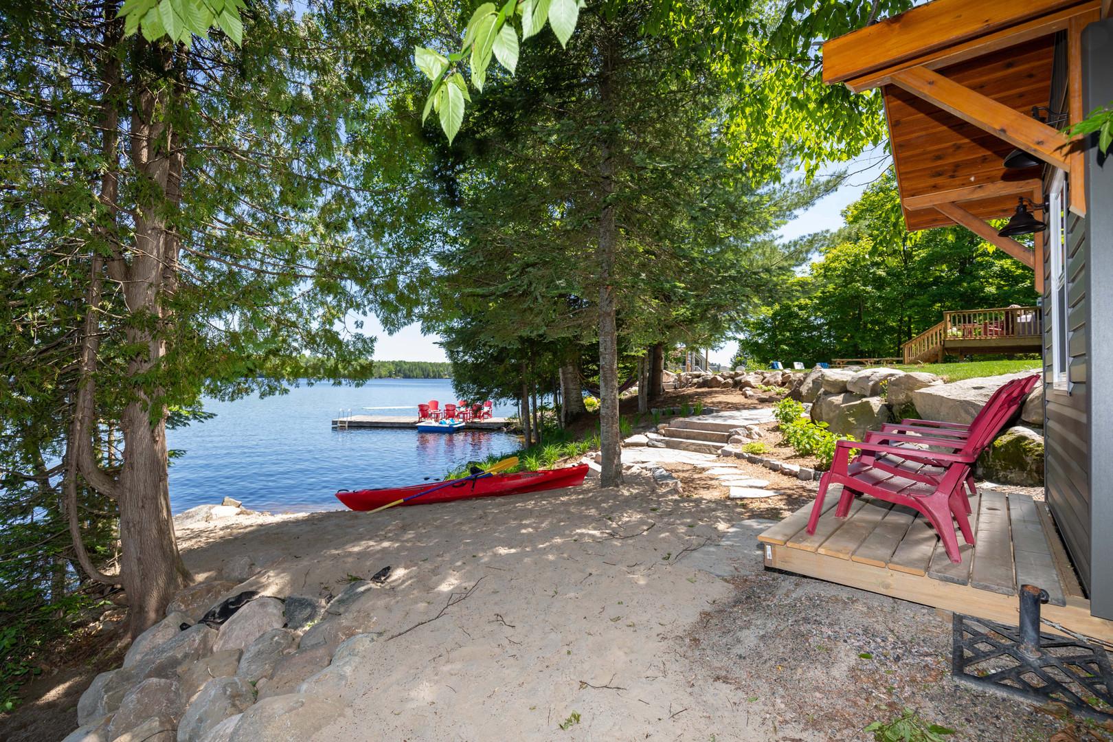 Beautiful waterfront Muskoka cottage  with Kayak