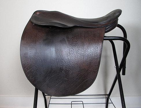 "21""M Arabian Saddle Company Louisville -2010 model"