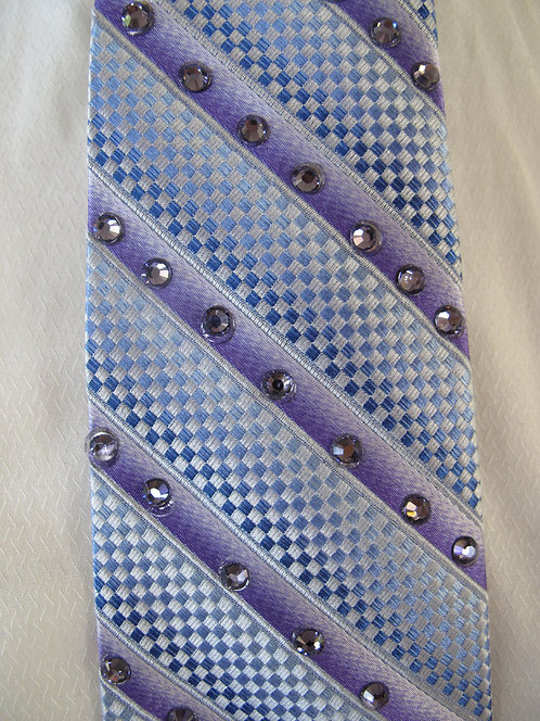 210 Bling Light Blue-purple crystals