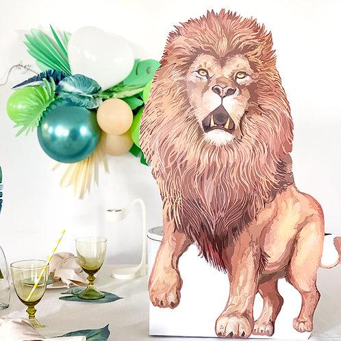 אריה דמות גדולה