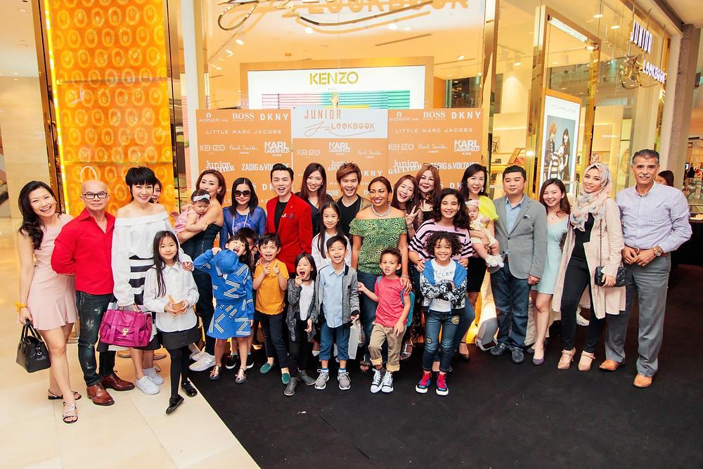 Mr. Brian John Yim, Mr. Matthew Benjamin Yoon and Ms. Ning Baizura with all VIP guests