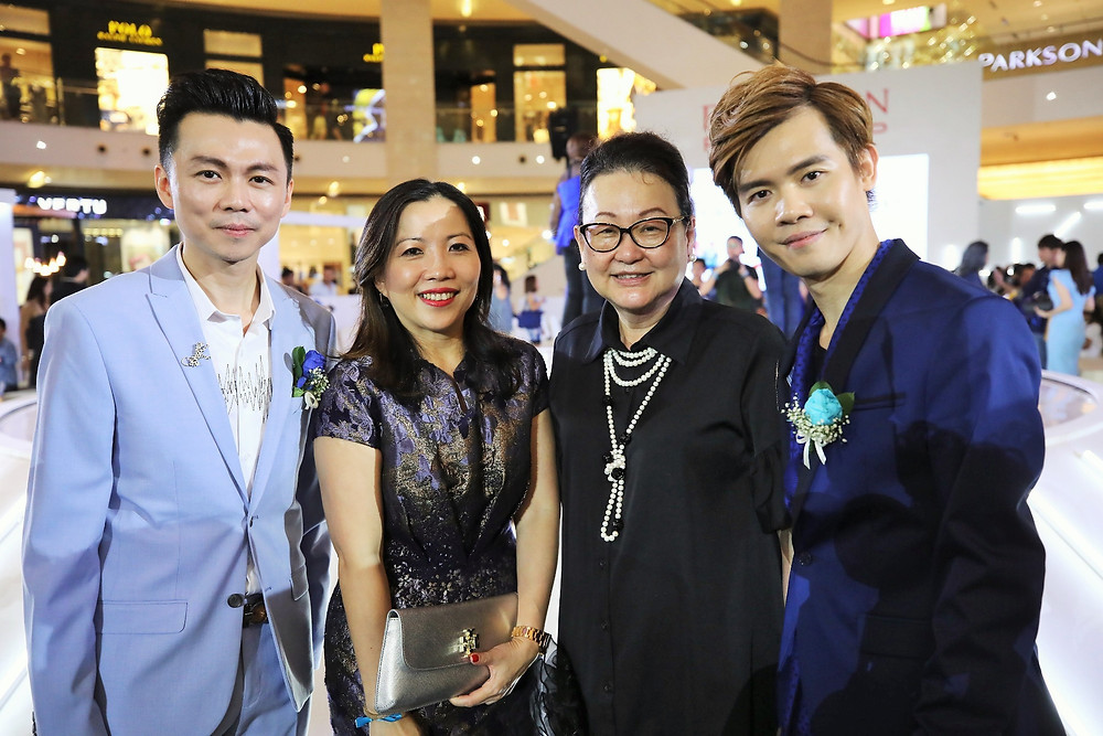 Mr. Brian John Yim - CEO of JUNIOR LOOKBOOK, Ms. Kung Suan Ai - Director of Marketing of Pavilion KL, Dato' Joyce Yap - CEO of Pavilion KL and Mr. Matthew Benjamin Yoon - Managing Director of JUNIOR LOOKBOOK