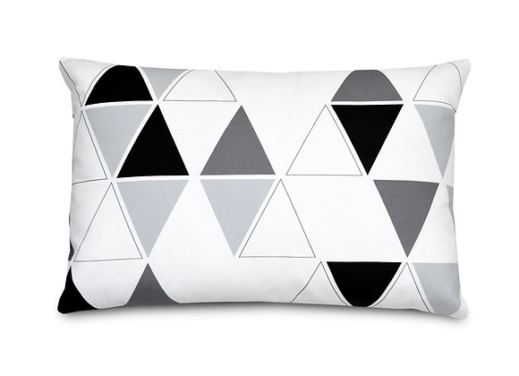 TRIANGLE PILLOW