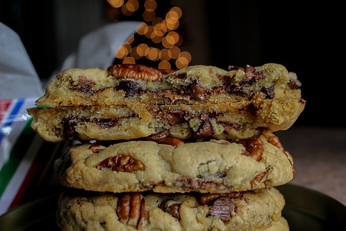 6 Nutella Stuffed Pecan Chocolate Chip Cookies