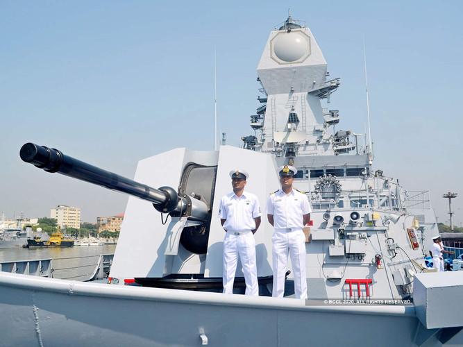 navy-guns_bccl.jpg