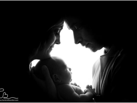 La séance nouveau-né de Haroun, 5 petits jours - Photographe spécialisée bébé en Isère
