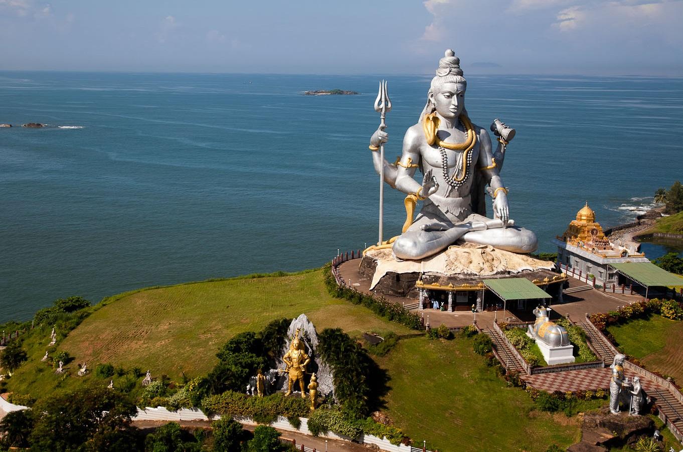 Статуя Шивы в Мурудешваре