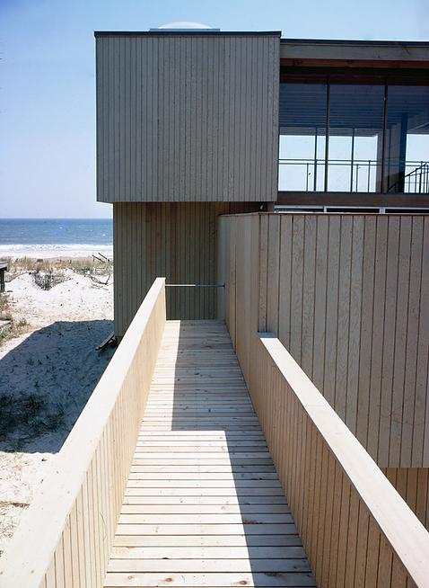 3A_419 Ocean Rubrum_Entry View_Horace Gi
