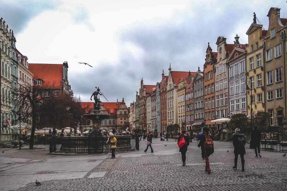 """2018. gada 19. novembris. Polija, Gdaņska. Pilsētas """"lasīšana"""", dzeramais borščs un poļu dzīres"""