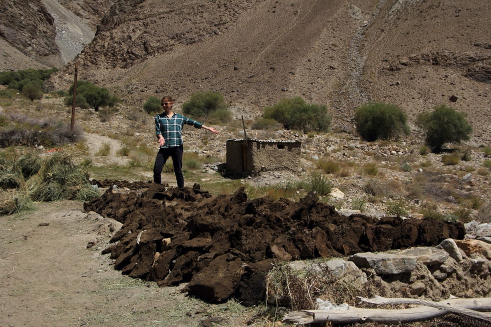 2017. gada 22. augusts. Tadžikistāna, Avdža. Šittaunas izveide un brīvdabas kino
