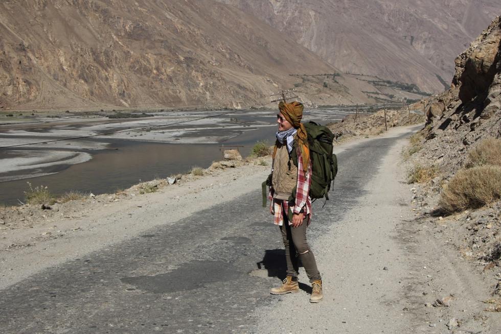 2017. gada 15. septembris. Tadžikistāna, Avdža. Bārbeļu mežs, CNN reportiere un daktera reputācijas