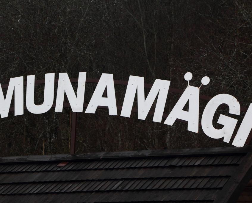 IGAUNIJA, MUNAMEĢIS