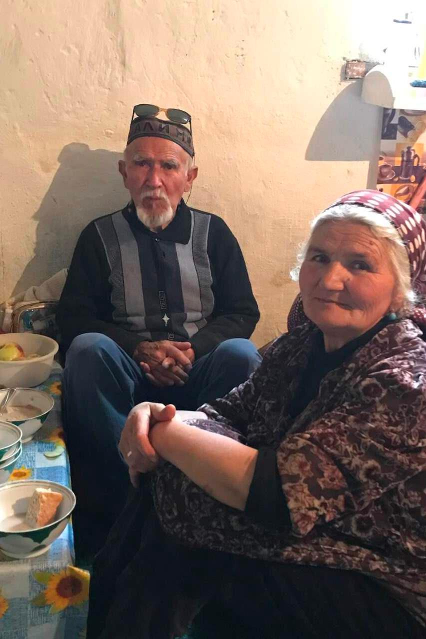2017. gada 19. septembris. Tadžikistāna, Avdža. Gastronomisks atklājums, kartupeļu rakšana un izprec