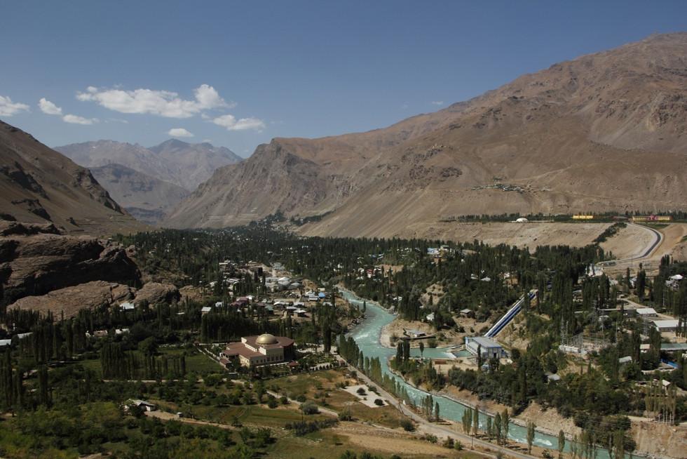 """2017. gada 11. septembris. Tadžikistāna, Horuga. Brauciens ar vietējo mafiozo un no """"National Geogra"""