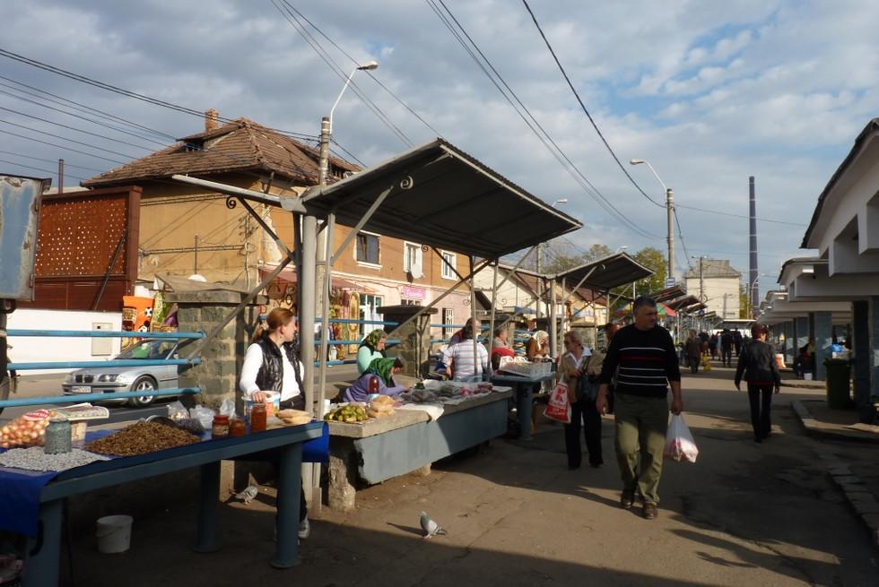 2013. gada 29. oktobris. Jauniešu apmaiņa Rumānijā. 3. diena. Rumāņu tirgus!
