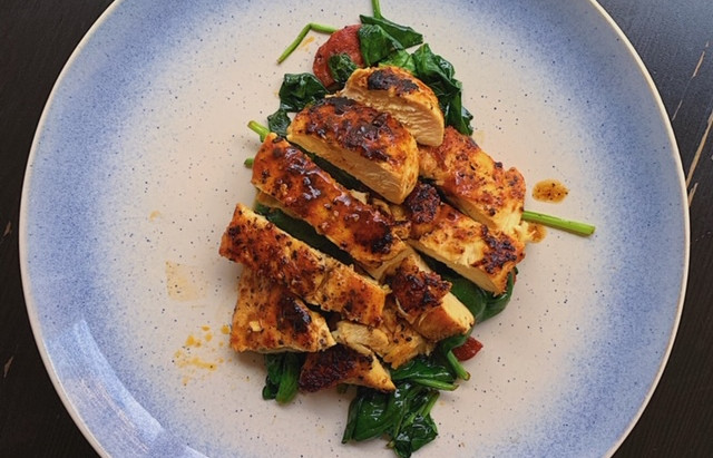 15 Minute Recipe: Peri Peri Chicken with Spinach and Chorizo
