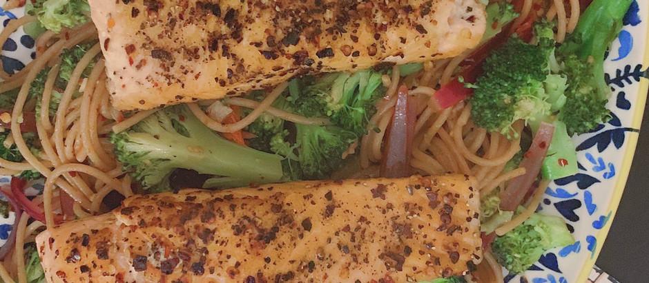 Salmon with chilli flakes and broccoli spaghetti