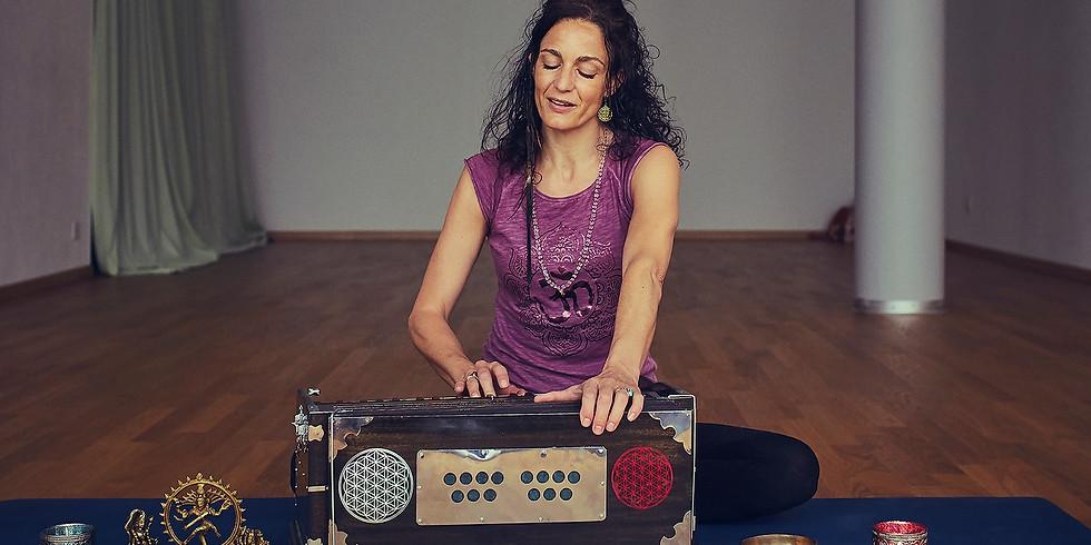 Mantra Singen mit Harmonium