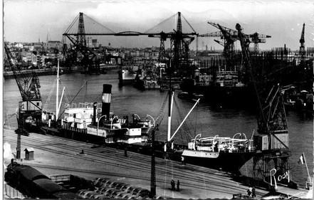 Le site des Chantiers Dubigeon à Nantes se trouve dans le département de la Loire-Atlantique en région Pays-de-la-Loire.  Créé en 1760, par Julien Dubigeon, les chantiers navals Dubigeon s'implantent sur l'île de Nantes proche des armateurs, Nantes est le premier port de commerce français.  Cinq générations de la famille Dubigeon vont développer la construction de 3 mâts, paquebots, cargos, ferrys et sous-marins.  En 1963, un rapprochement avec la société Loire-Normandie donne naissance au groupe Dubigeon Normandie disposant de quatre chantiers (Nantes, Dieppe, Le Havre et Petit-Quevilly).  Face aux difficultés économiques et financières que rencontre le groupe Alstom, les Chantiers Dubigeon ferment en 1987, après de multiples mouvements sociaux dans la ville de Nantes.
