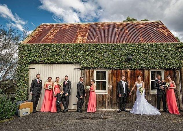 ❤ #barn #historical #stunningviews #wedd