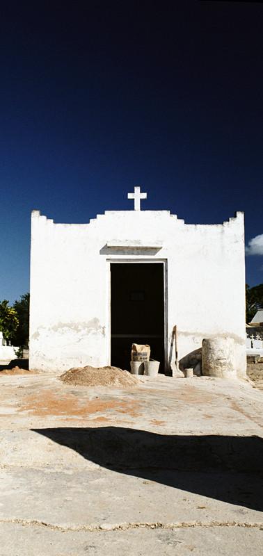 Mausoleum-08.jpg